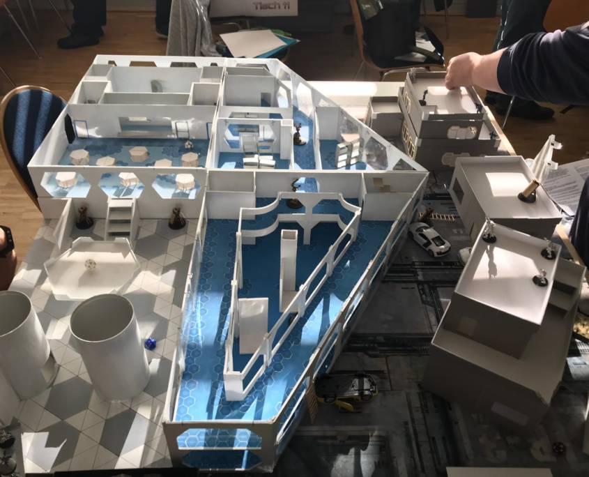 Infinity - Spieltisch - arachNET.de